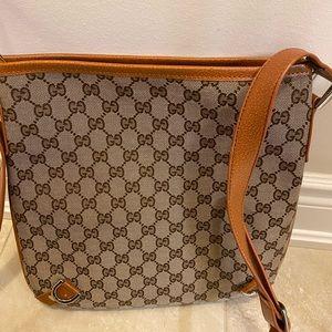 Gucci messenger/crossbody bag